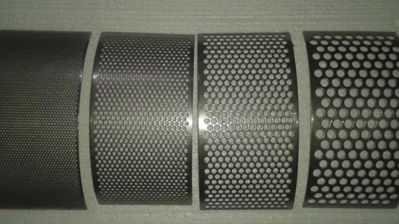 Вальцовка перфорированного листа из стали